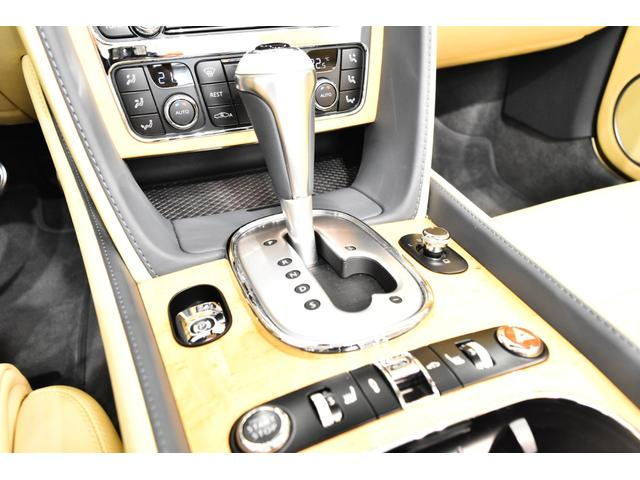 GTコンバーチブル W12 正規D車 ツートンレザー 紺幌(14枚目)