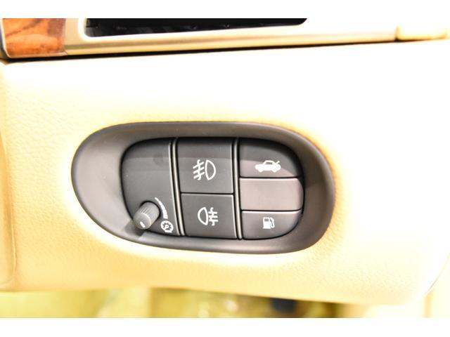 XKクーペ 4.2 正規D車 Fシート&ステアリングH 右H(19枚目)