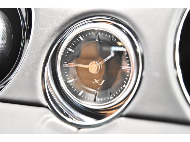 <標準装備>キセノンヘッドランプ(HID)、リア/ルーフスポイラ―、運転席エアバッグ、助手席エアバッグ、サイドエアバッグ、ABS(アンチロックブレーキ)、トラクションコントロール