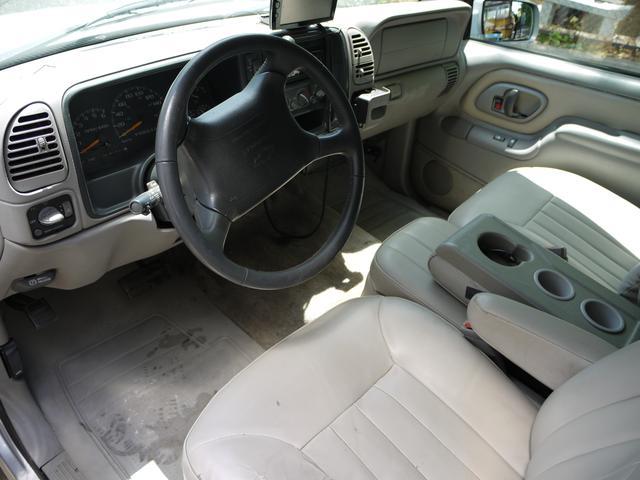 シボレー シボレー タホスポーツ ベースグレード 4WD GMC仕様