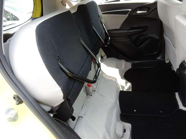 15X 認定中古車・メモリーナビ・バックカメラ・フルセグTV・CD・DVD・ETC・当社下取り車・スマートキー・盗難防止装置・ワンオーナー・Bluetooth・アイドリングストップ・オートエアコン(10枚目)