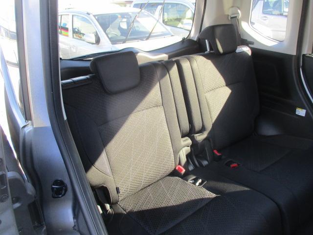 リヤシートにはISOFIX対応チャイルドシート固定用アンカーが付いていますのでチャイルドシートを載せて赤ちゃんとドライブもできますよ!