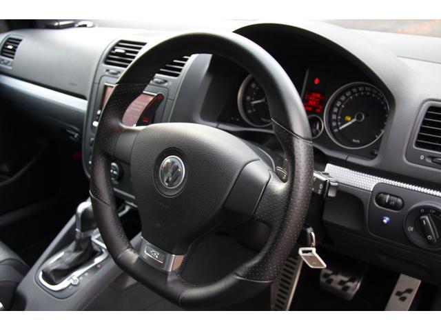 フォルクスワーゲン VW ゴルフ R32