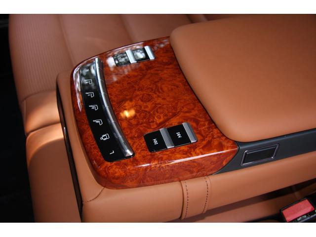 S63 AMGロング デジーノインテリア ブラウン系レザー(19枚目)