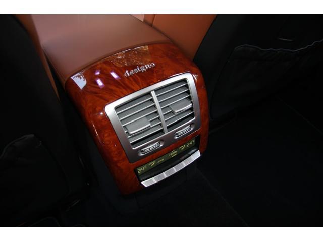 S63 AMGロング デジーノインテリア ブラウン系レザー(20枚目)