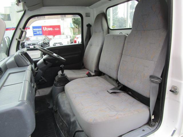 日産 アトラストラック DX1.3t リアダブルタイヤ 5速車