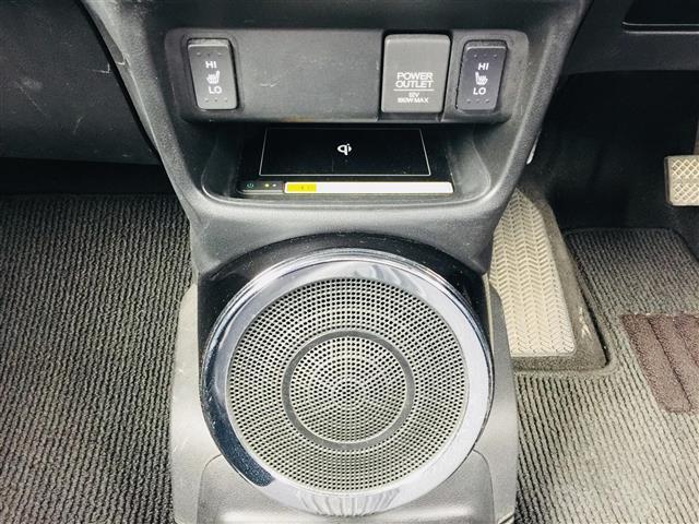 X CD・DVD/Bluetooth/フルセグTV/バックカメラ/シティブレーキアクティブシステム/クルーズコントロール/ワイヤレス充電器/ステアリングヒーター/DN席シートヒーター/ステアリングスイッチ(12枚目)