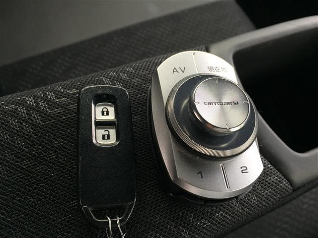 X CD・DVD/Bluetooth/フルセグTV/バックカメラ/シティブレーキアクティブシステム/クルーズコントロール/ワイヤレス充電器/ステアリングヒーター/DN席シートヒーター/ステアリングスイッチ(29枚目)