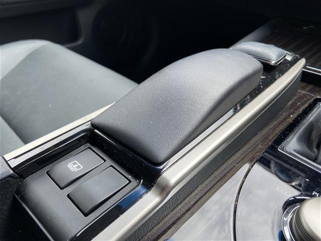 GS300h Iパッケージ 純正ナビ/CD・DVD再生/Bluetooth/バックカメラ/クルーズコントロール/LED/ETC/ヘッドライトウォッシャー/電動リアサンシェード/純正アルミホイール/プッシュスタート(12枚目)