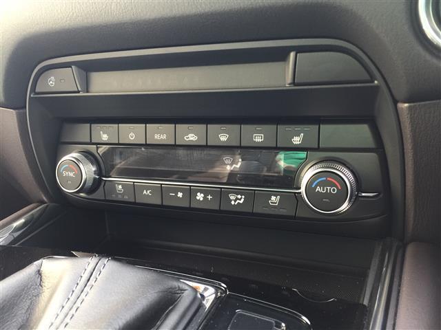 XD Lパッケージ 4WD サンルーフ レザーシート BOSEサウンド 衝突軽減 レーダークルーズ 横滑防止装置 アイドリングストップ 純正ナビ フルセグ 全方位カメラ LEDヘッドライト フォグ(18枚目)