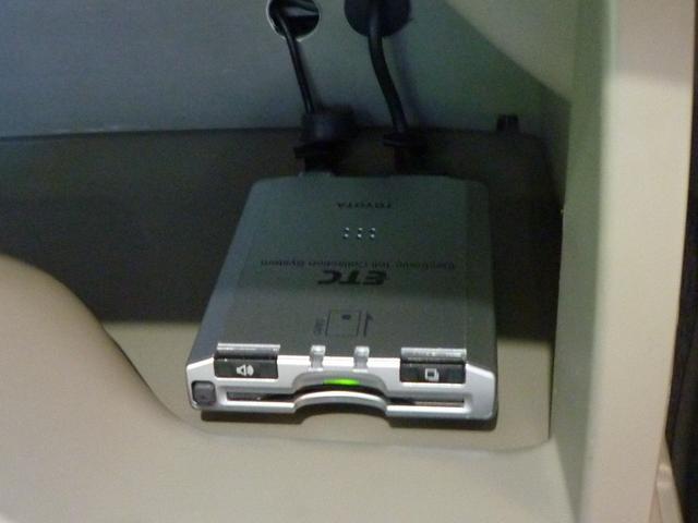 ETCはグローブボックス内に装備されています