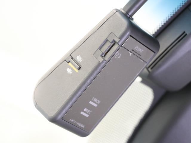 RS LEDヘッドライト 元試乗車 革シート フルセグTV ドラレコ ナビTV クルーズコントロール バックカメラ メモリーナビ ETC アルミ CD スマートキー パワーシート イモビライザー DVD(9枚目)