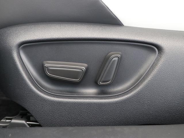 RS LEDヘッドライト 元試乗車 革シート フルセグTV ドラレコ ナビTV クルーズコントロール バックカメラ メモリーナビ ETC アルミ CD スマートキー パワーシート イモビライザー DVD(13枚目)
