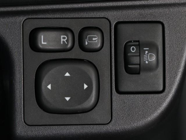 G AUX 横滑り防止機能 TVナビ パワステ メモリナビ ABS DVD 記録簿 オートエアコン エアバック 盗難防止システム パワーウィンドウ キーレスエントリ- スマートKey フルセグ地デジ(14枚目)