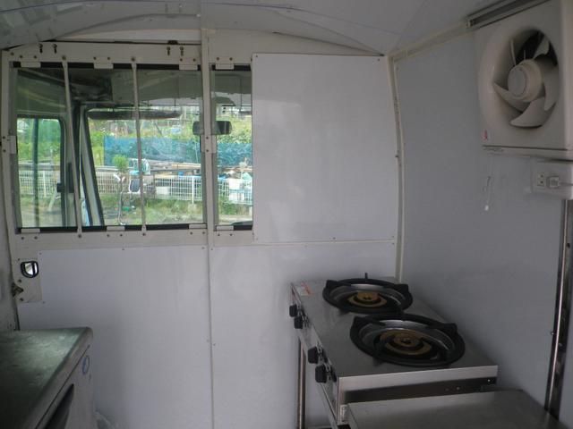 移動販売車 キッチンカー 左大型開口部(8枚目)