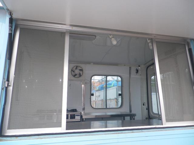 移動販売車 キッチンカー 左大型開口部(14枚目)