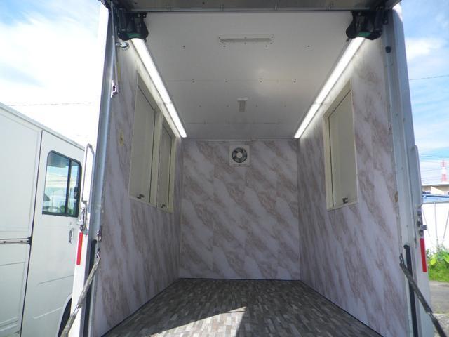 パネルバン 移動販売車 キッチンカー 左右開口部 換気扇照明(10枚目)