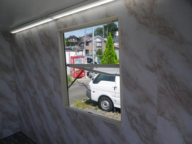 パネルバン 移動販売車 キッチンカー 左右開口部 換気扇照明(16枚目)