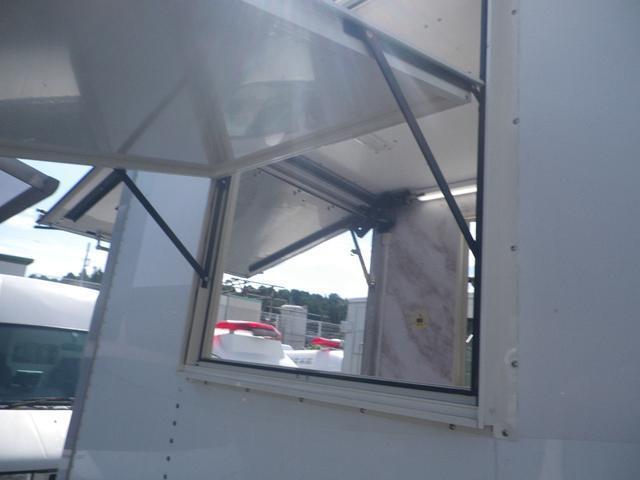 パネルバン 移動販売車 キッチンカー 左右開口部 換気扇照明(19枚目)