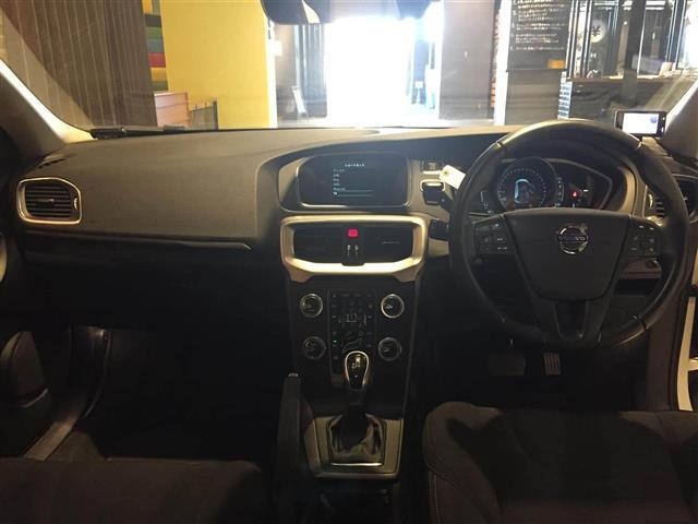 「ボルボ」「ボルボ V40」「ステーションワゴン」「岐阜県」の中古車3
