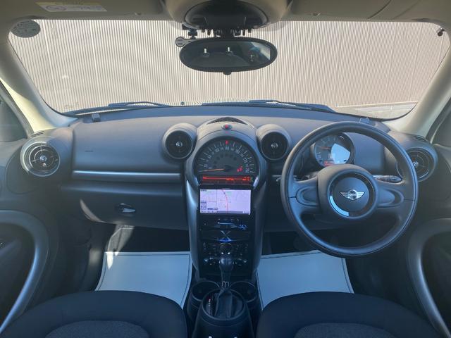 クーパーD クロスオーバー オール4 ワンオーナー 社外ナビ 地デジ D/Nシートヒーター コーナーセンサー ドライブレコーダー HIDライト オートライト ETC(4枚目)