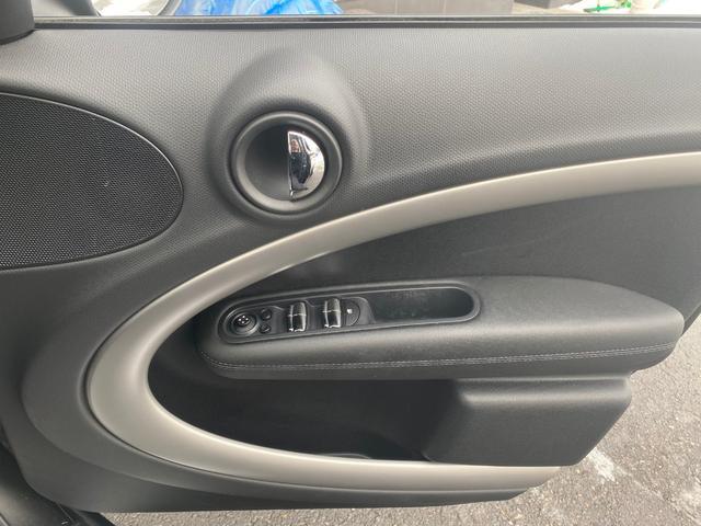クーパーD クロスオーバー オール4 ポータブルナビ ワンセグTV バックカメラ 社外AW付サマータイヤ積込 ETC HID オートライト(18枚目)