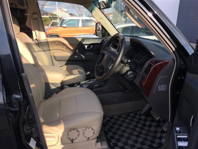 三菱 パジェロ ロング エクシードI 4WD HDDナビ バックカメラETC