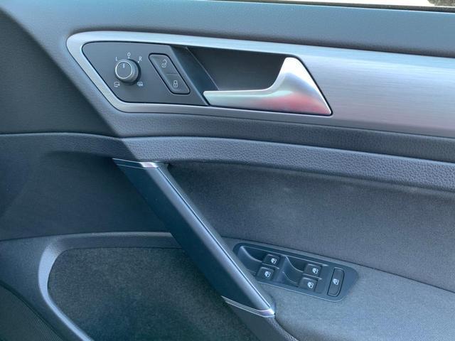 TSIコンフォートラインブルーモーションテクノロジー 2016yモデル 追従クルーズ 衝突軽減ブレーキ プッシュスタート I-STOP ディスカバープロ フルセグ Bluetooth DVD バックカメラ ETC 純正16AW キセノン オートライト(36枚目)