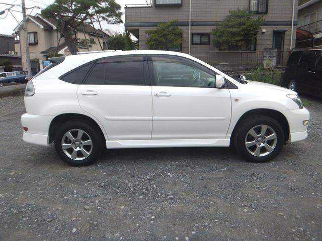 車のことなら東京都の東山自動車で!!国内外問わず様々な車種の販売実績がございます。豊富な知識を持ったスタッフが丁寧に対応致します。