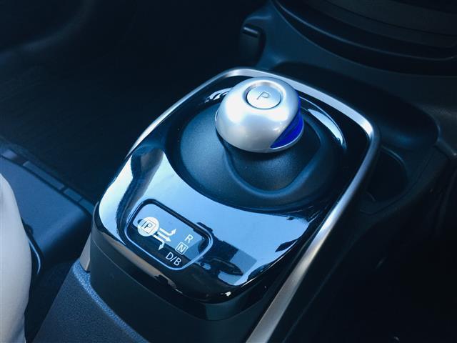e-パワー X SDナビ BT フルセグTVアラウンドビューモニターバックカメラインテリジェントルームミラードライブレコーダーETCHIDコーナーセンサー革調シートカバーアイドリングストップ(10枚目)