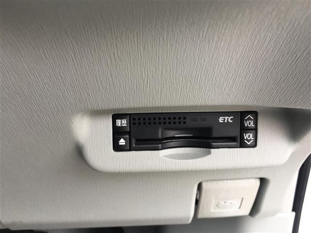 トヨタ プリウス S LEDエディション DVD再フルセグナビ Bカメラ