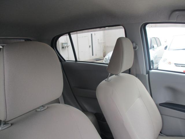 室内は明るく、とてもキレイに保たれています!中古車は見つけたタイミングも1つの縁だと思いますよ!