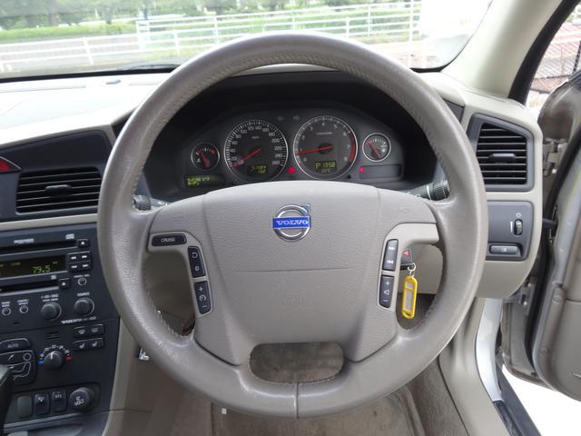 ボルボ ボルボ V70 2.5T ターボ本革ワンオーナー鑑定書付ディーラー車ETC