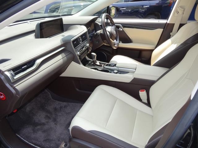 RX450h 4WD本革シート純正ワイドナビ5年保証対象車(10枚目)