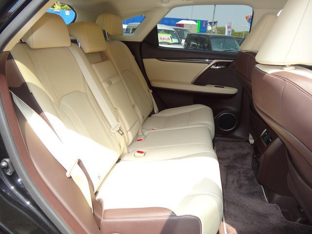 RX450h 4WD本革シート純正ワイドナビ5年保証対象車(12枚目)
