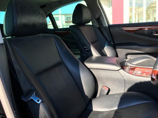 LS600h Iパッケージ 4WD サンルーフ 本革 マルチ(19枚目)