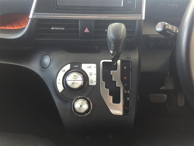 G 4WD ワンオーナー 純正ナビ エンスタ ETC(11枚目)