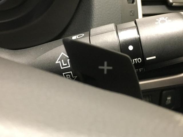 純正ナビ/フルセグTV/バックカメラ/追従クルーズコントロール/パドルシフト/ETC/アイドリングストップ/HIDヘッドライト/フォグランプ/電動格納ミラー/ドライブレコーダー/キーレスキー