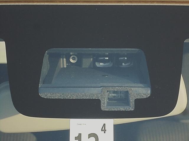 JL セーフティサポート装着車 デュアルセンサーブレーキサポート 車線逸脱警報機能 パートタイム4WD 5速MT 社外9型メモリーナビ フルセグTV  シートヒーター ETC オートライト スマートキーX2(8枚目)