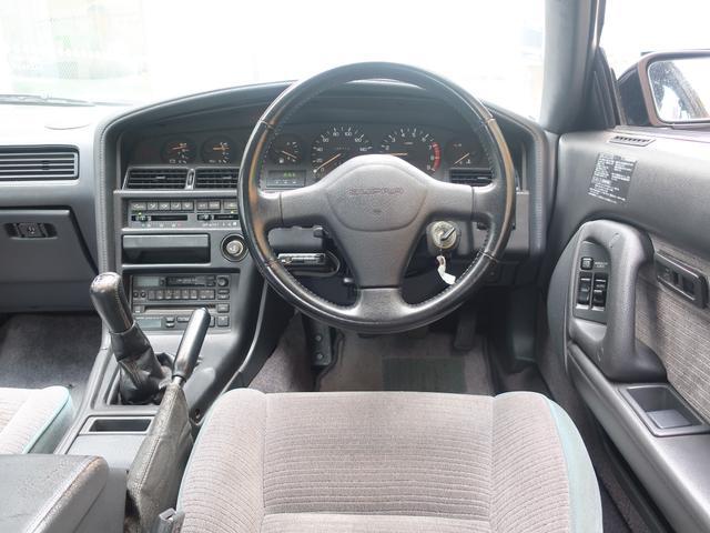 ワンオーナー車で、走行距離36000Km台の5速MTスープラはなかなか出てきません