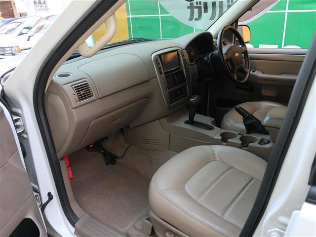 フォード フォード エクスプローラー XLTエクスクルーシブ ベージュレザー・HDDナビ