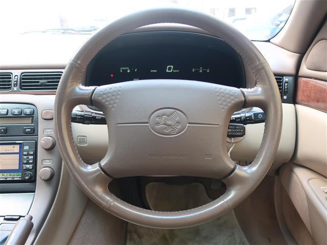 コックピットは広々としていて、爽快なドライブをご堪能いただけます