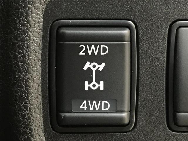 【駆動切替】2WD・4WDの切り替えが可能です☆街乗りもアウトドアもシーンによって快適に走行できます☆