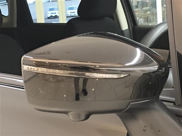 【ウィンカー付きサイドミラー】対向車からの認識もばっちり!雨の日や夜道も安心してお乗りいただけます。