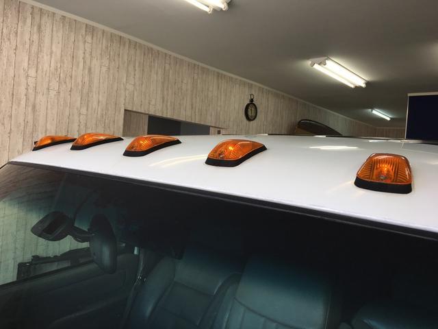 シボレー シボレー サバーバン ベンチシート1ナンバー6人乗りメモリーナビ15AWDVD再生