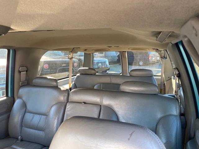 「シボレー」「シボレーサバーバン」「SUV・クロカン」「東京都」の中古車18