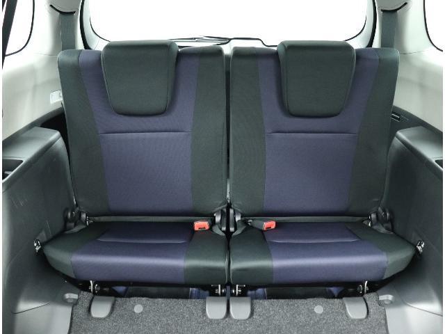 ☆2人がけ3列シートもゆったりスペース。家族みんなでお出かけ、ロングドライブも快適です!