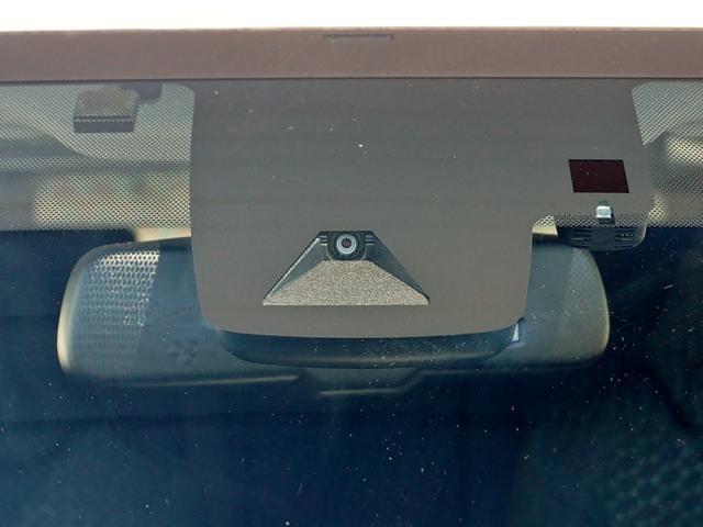 TOYOTA SAFETY SENSEは道路状況、車両状態、天候状態およびドライバーの操作状況などによっては、作動しない場合があります。プリクラッシュセーフティ・システムはあくまで運転補助機能です。