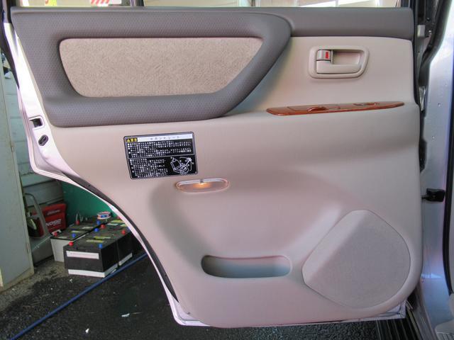 トヨタ ランドクルーザー100 VX-LTD 4.2DT 5速AT 背面レス マルチレス