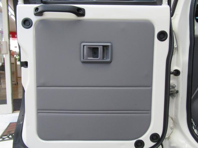 トヨタ ランドクルーザー70 バン 5速MT 新品ガード SDナビ Bカメラ セキュリティ